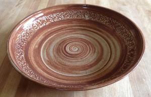 shallow-serving-bowl-brown-300x193